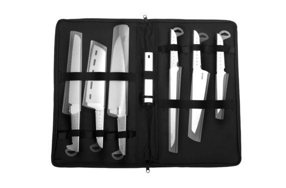 astuccio completo di coltelli